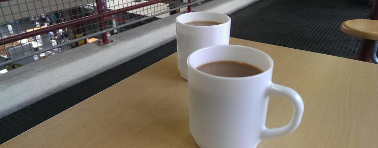 Kommunikation und Höflichkeit am Morgen? Manchmal hilft nur Kaffee.