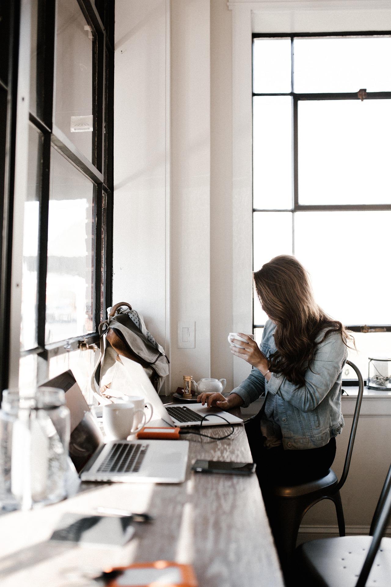 bloggen lernen, entspannt bloggen, Blogaufbau, dranbleiben, Blog Coaching